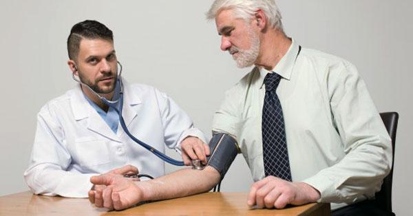 magas vérnyomás orrfolyás