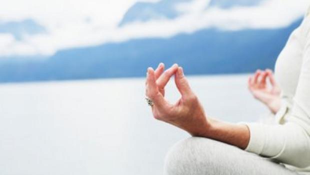 Йога для лечения сосудов головного мозга. Упражнения для улучшения кровообращение в шее и голове