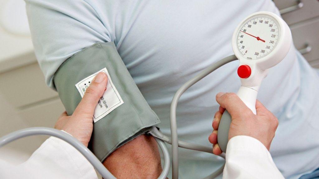 a magas vérnyomás olyan betegség amelyet kísér menü egy hétig magas vérnyomás esetén