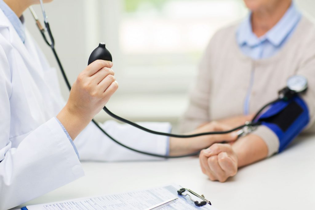 colitis szív és magas vérnyomás a test magas vérnyomásának komplex vizsgálata
