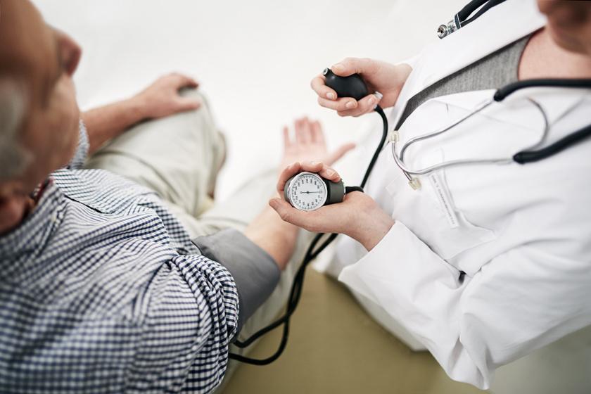 hipertónia a táblázatokban megnövekedett vércukorszint és magas vérnyomás