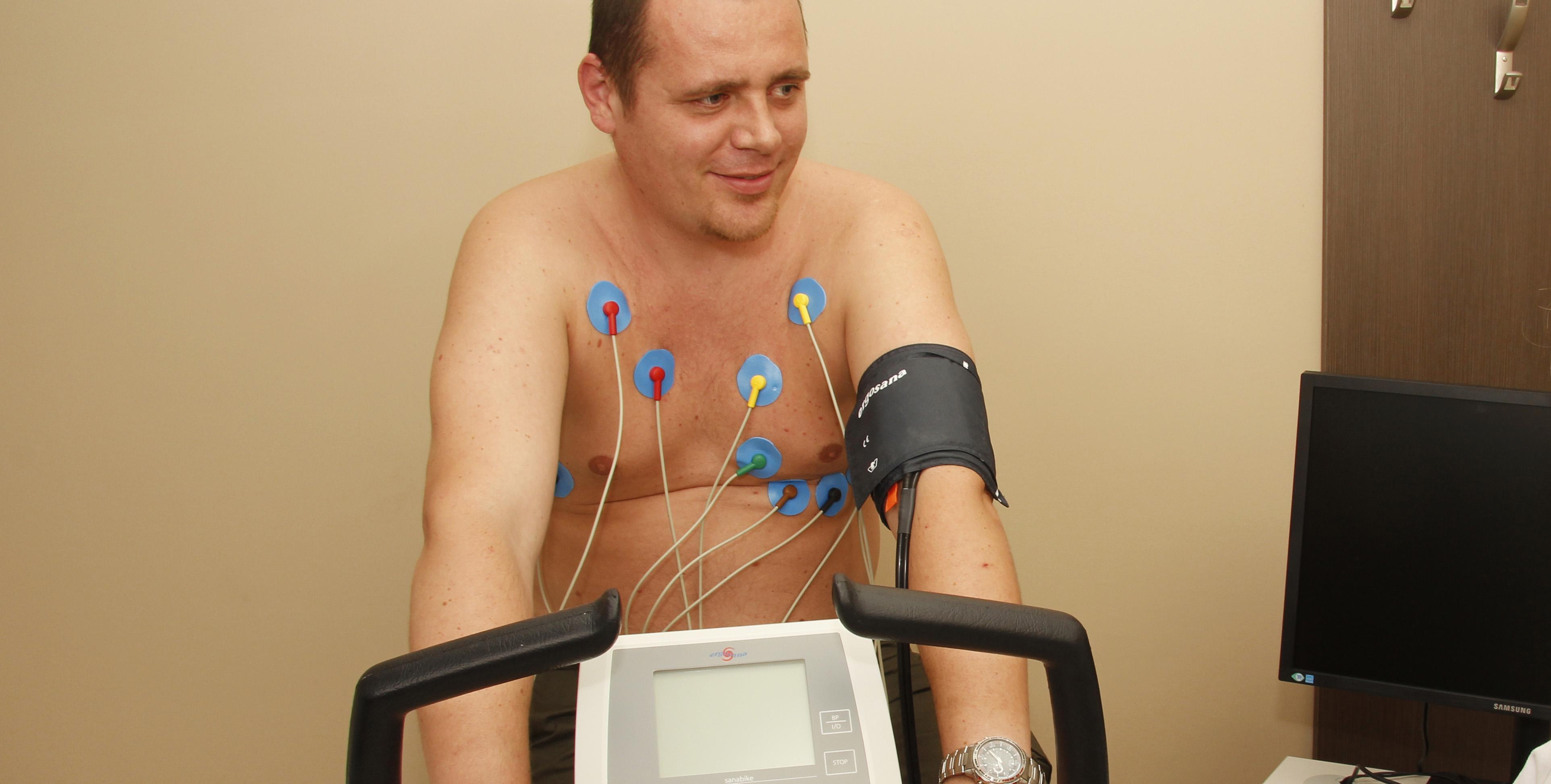 magas vérnyomás esetén egy pohár vizet botox és magas vérnyomás