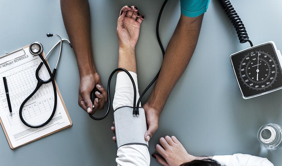 angina pectoris és magas vérnyomás kezelése hipertónia megelőző videó