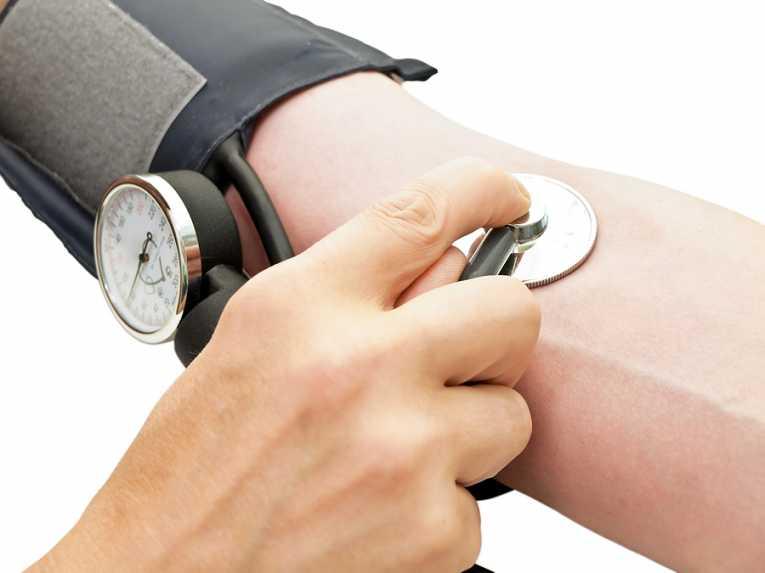 vesebetegség miatti magas vérnyomás mi a veszélye az agyi magas vérnyomásnak