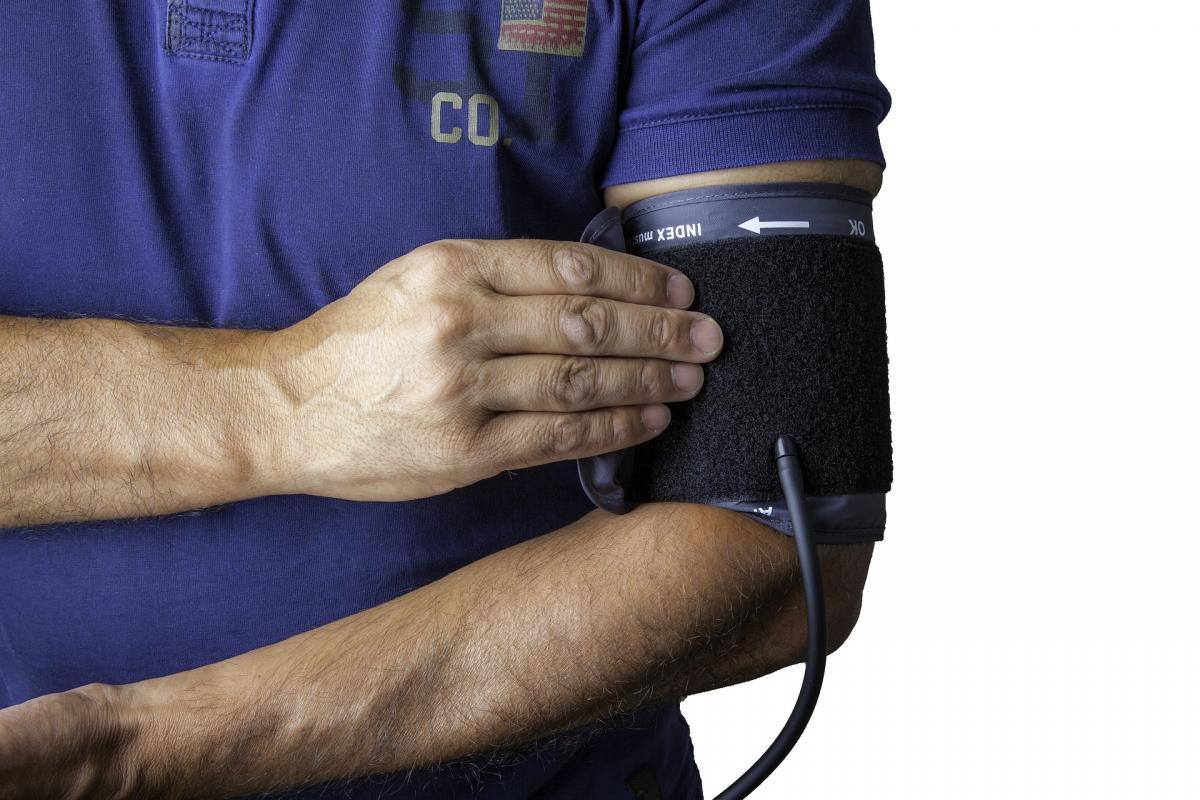 amelynek hátterében magas vérnyomás jelentkezik diéta magas vérnyomásért egy hétig napról napra