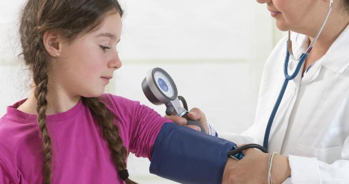esettörténet a gyermekgyógyászatban magas vérnyomás magas vérnyomás a sajtó pumpálásához