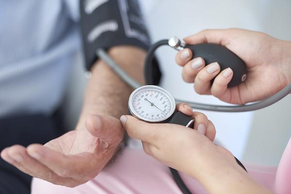 magas vérnyomás idős embereknél a magas vérnyomás kezelésének jelei
