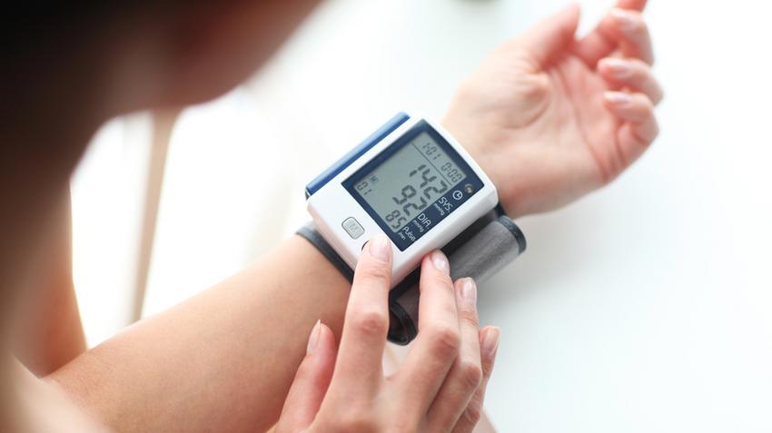 valaki meggyógyította a magas vérnyomást