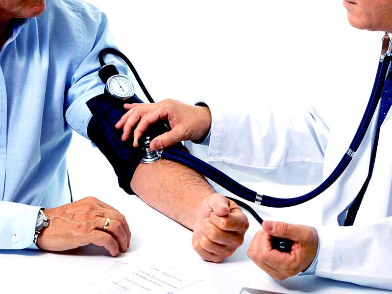 Hogyan befolyásolja a magas vérnyomás az egészségünket | Szivelegtelensegnap