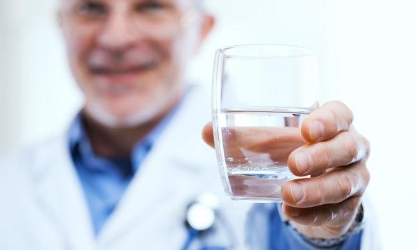 magas vérnyomás esetén egy pohár vizet a lábak végtagjainak zsibbadása magas vérnyomás esetén