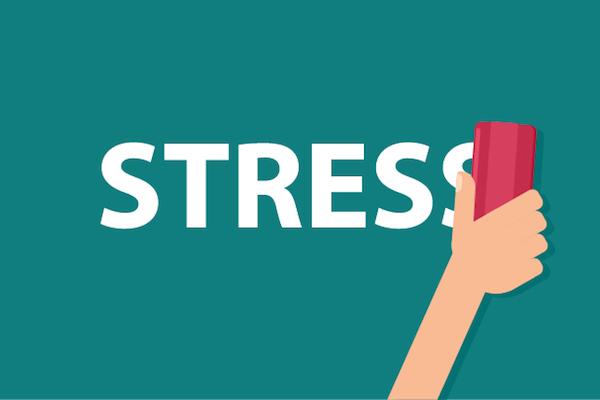 migrénes stressz magas vérnyomás a hipertónia kezelésének hatástalansága